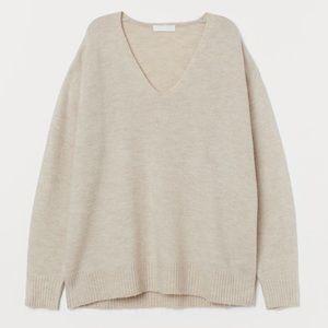 H&M Light Beige Boucle V-Neck Sweater